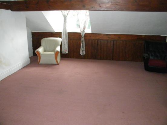 Attic Bedroom Pic2