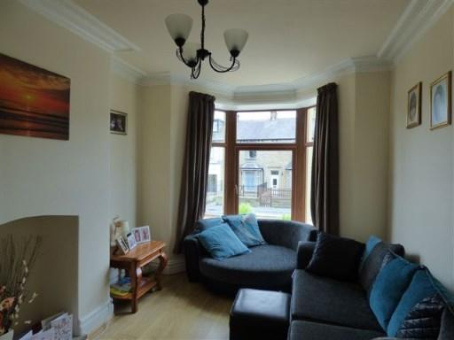 Front Lounge Pic1