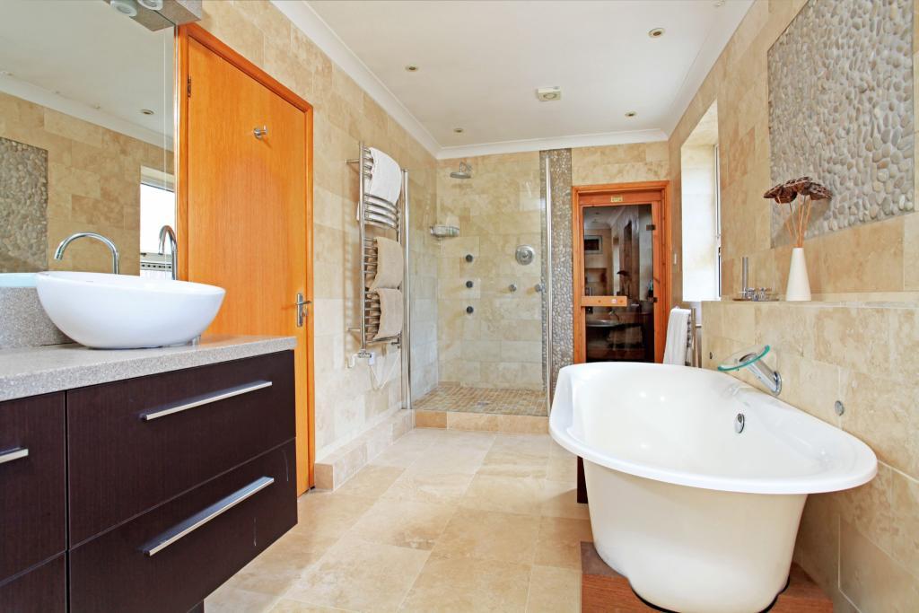 En-Suite and Sauna
