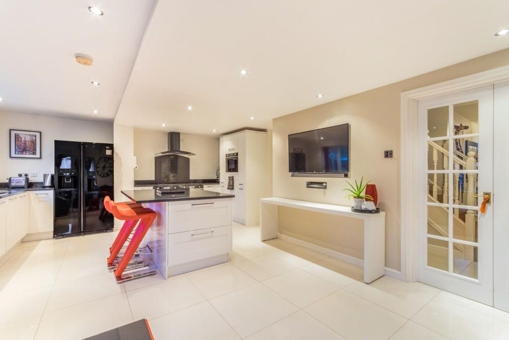 Kitchen/living and b