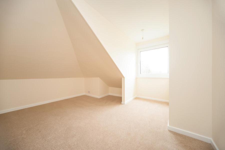 Upper Floor Bedroom2