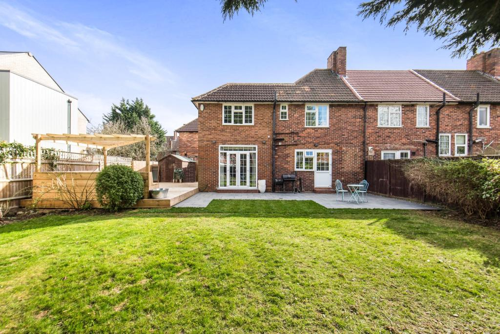 3 bedroom end of terrace house for sale in morden