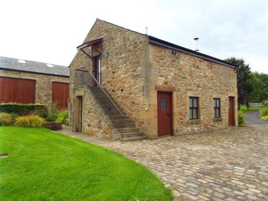 Annex (barn behind)