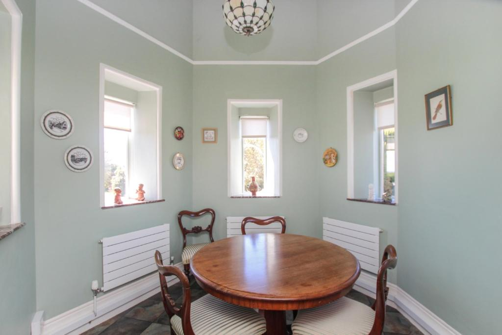 Turret dining room