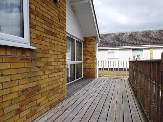 2 Bedroom Bungalow For Sale In Waterside Park Corton Lowestoft Suffolk Nr32
