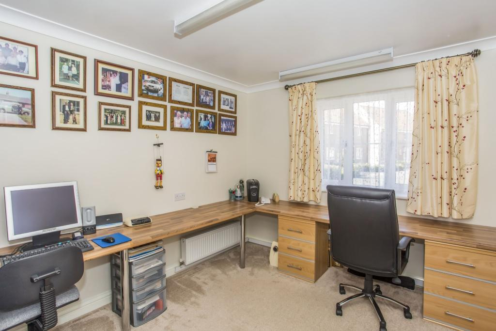 Bedroom 3/Office/Din