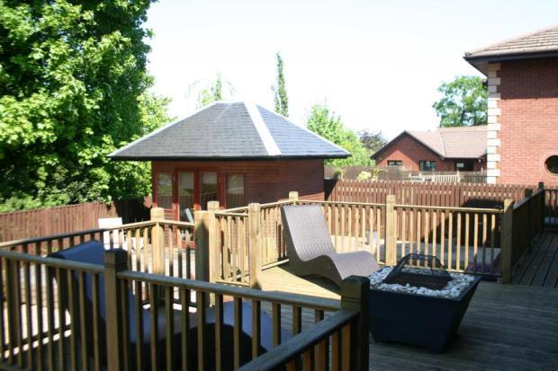 Deck/Summer House