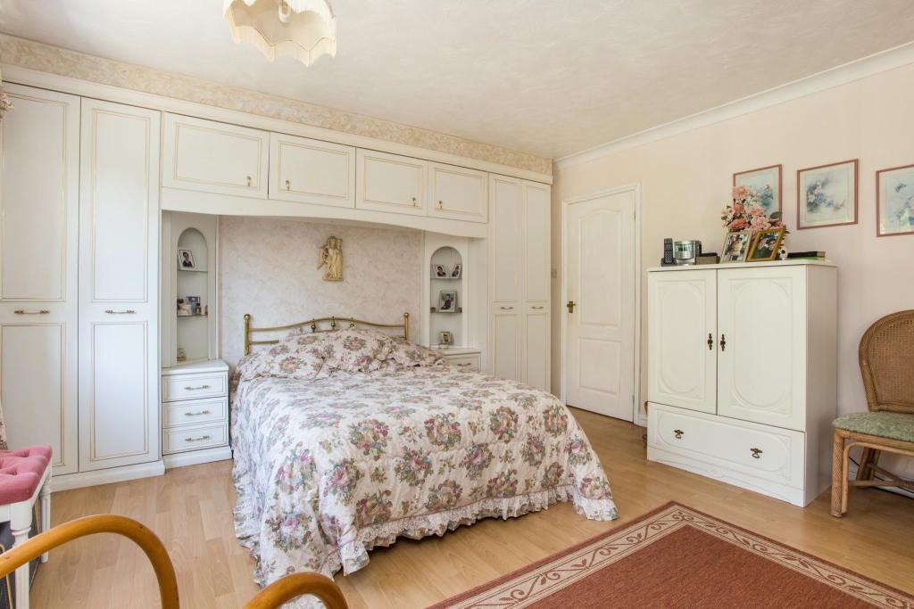Bedroom (P)