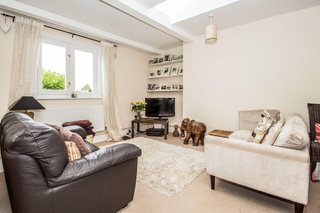 2 bedroom flat for sale in tuscany house 34 warwick place for 15 x 13 living room