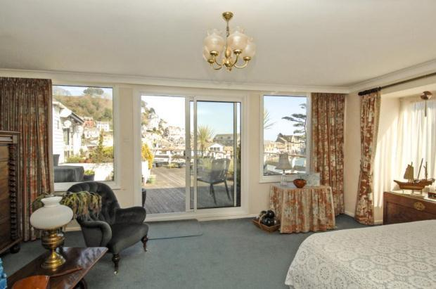 4 Bedroom Flat For Sale In Riverside Court The Quay Looe Cornwall Pl13
