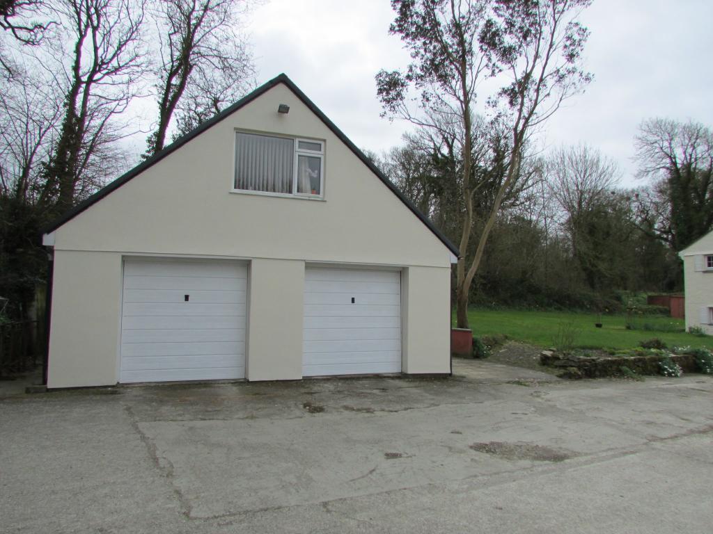 Garage & Flat