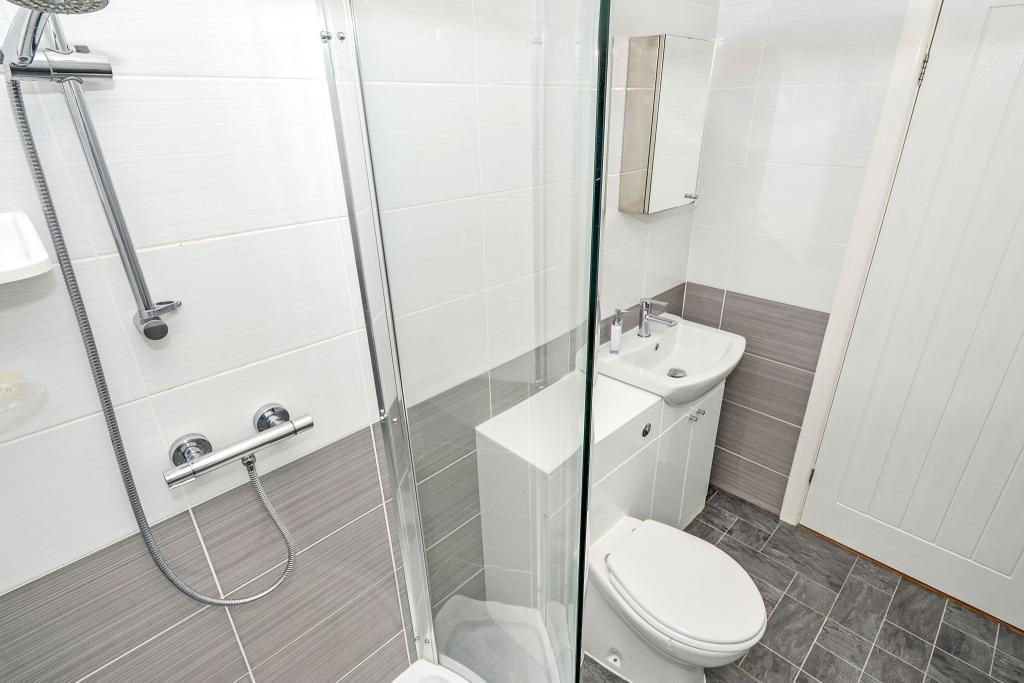 GF Shower/Cloakroom