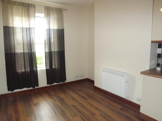 Apartment Three Loun