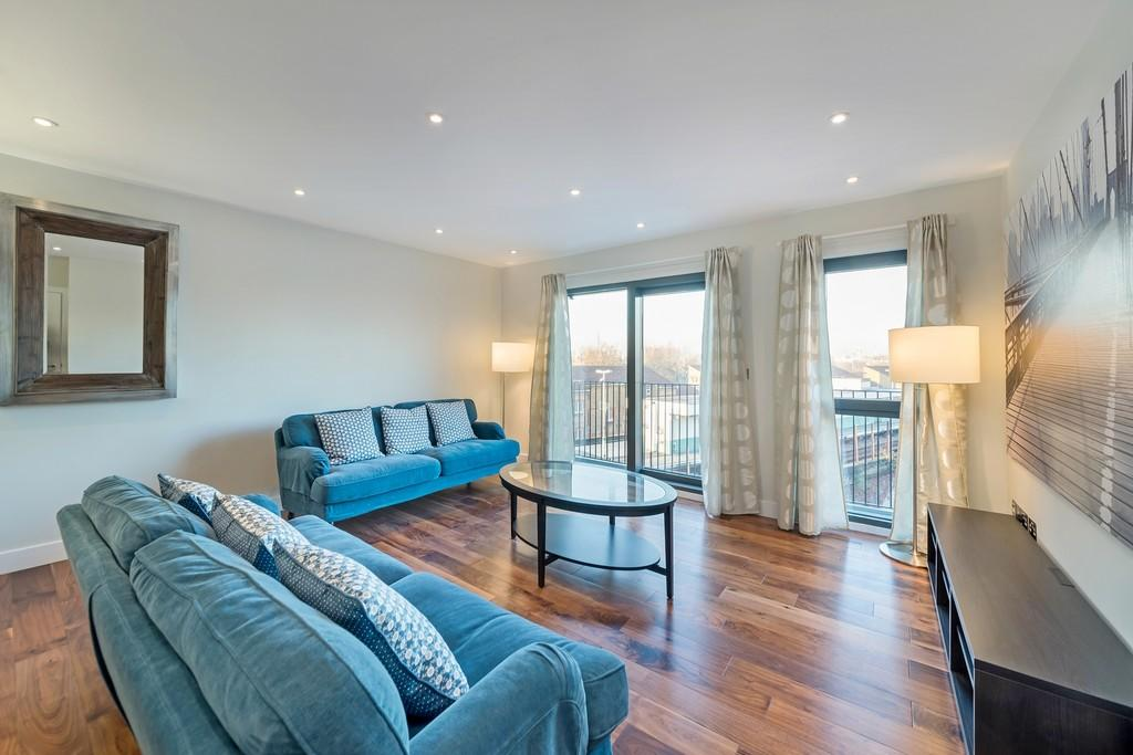 2 bedroom apartment for sale in queens road peckham se15 for Two bedroom apartments in queens