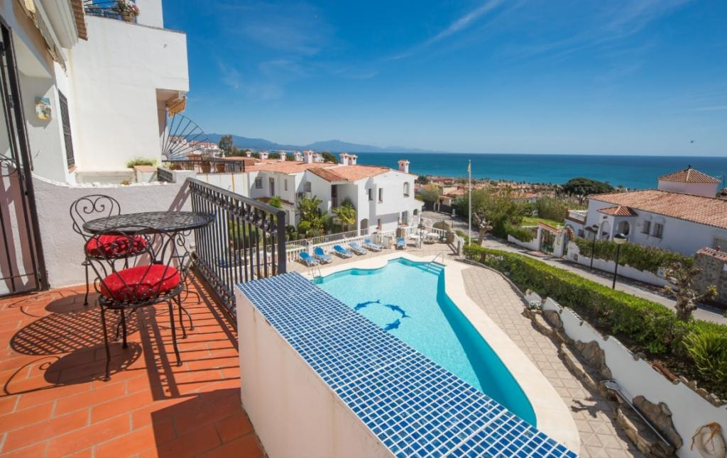 2 bed Apartment for sale in Spain, La Duquesa, Málaga
