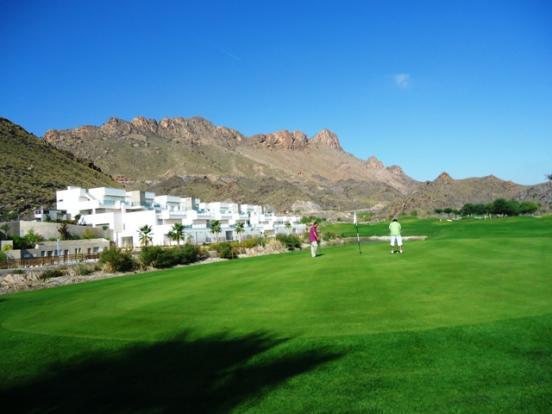 nearby golf