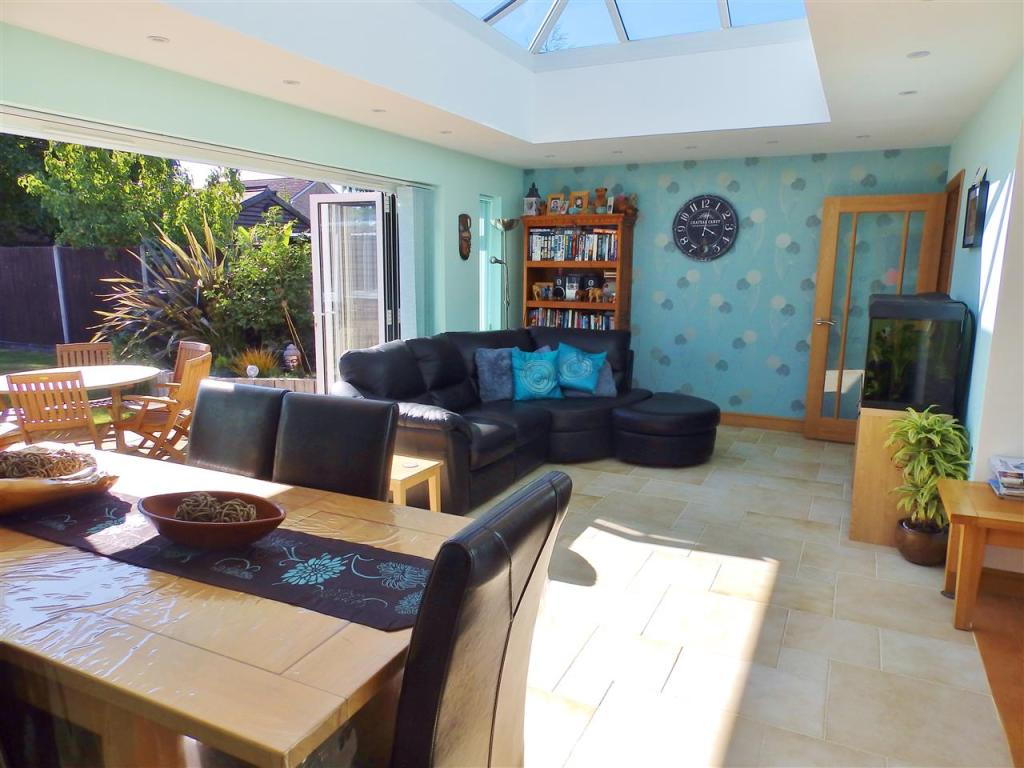 Extension/Dining