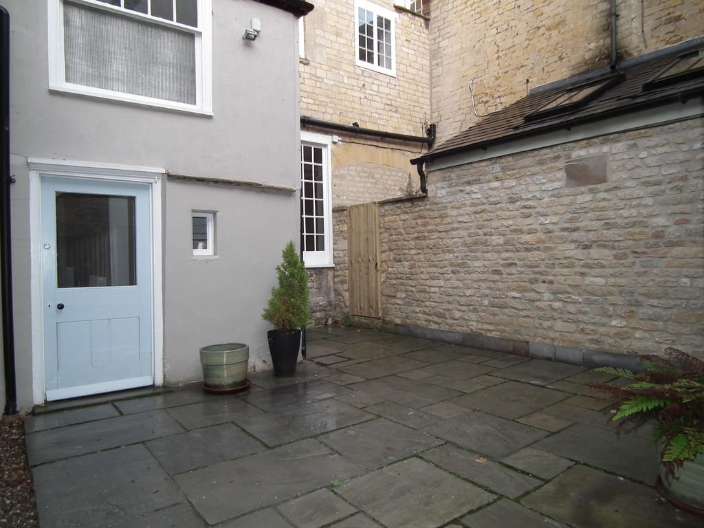 Courtyard pic 2