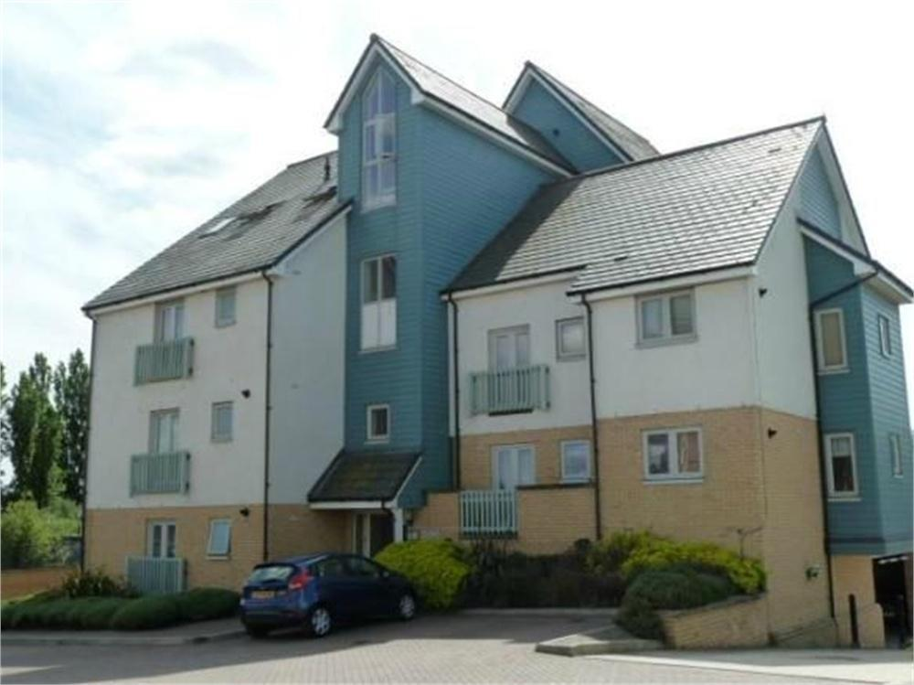 2 Bedroom Apartment To Rent In Finisterre House Phalarope Way Chatham Kent