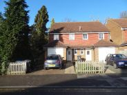 6 bedroom house to rent in Downs Road...