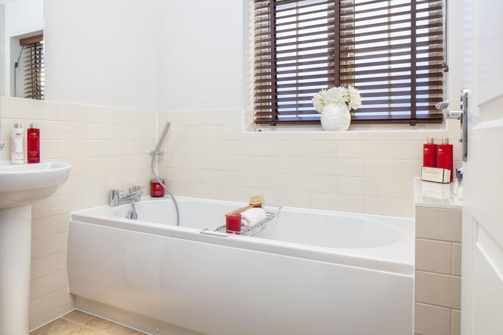Typical Barwick bathroom