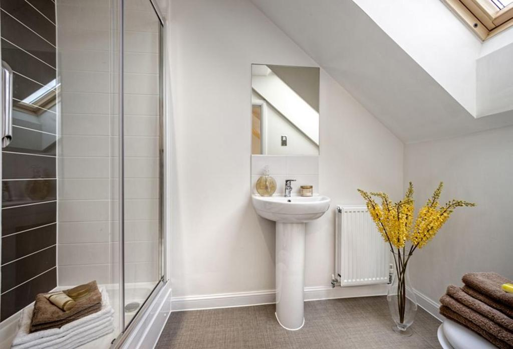 Typical Padstow en suite to the master bedroom