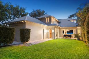 5 bed property in Palm Beach, Sydney...