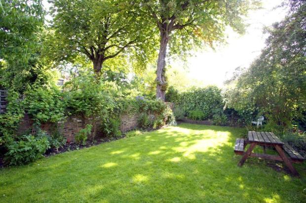 gardenprioryd.jpg