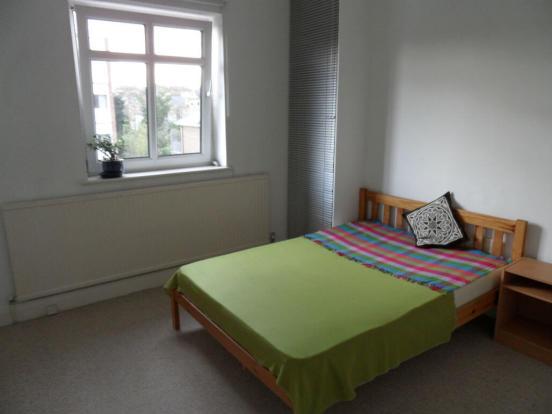 bedroom3prioryd.jpg