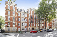 Flat for sale in Old Brompton Road...