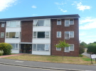 3 bed Flat in Stanley Road, Sutton, SM2