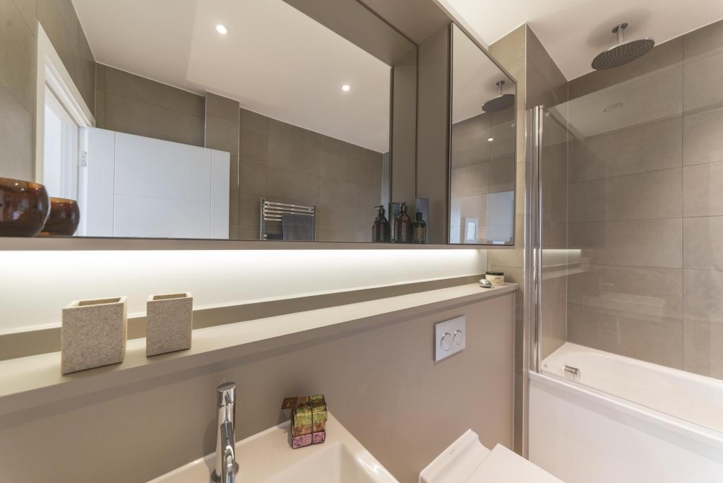 Show apartment bathroom detail