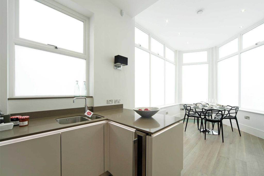 Dining/Kitchen space
