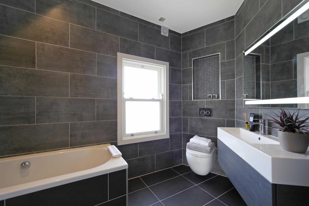 Penthouse (showflat) bathroom