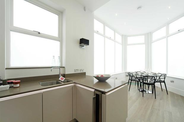 Ap.1 (showflat) Dining/kitchen