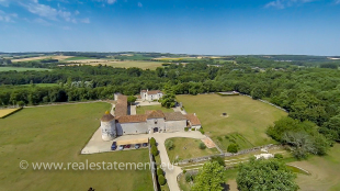 6 bed Country House in Poitou-Charentes...