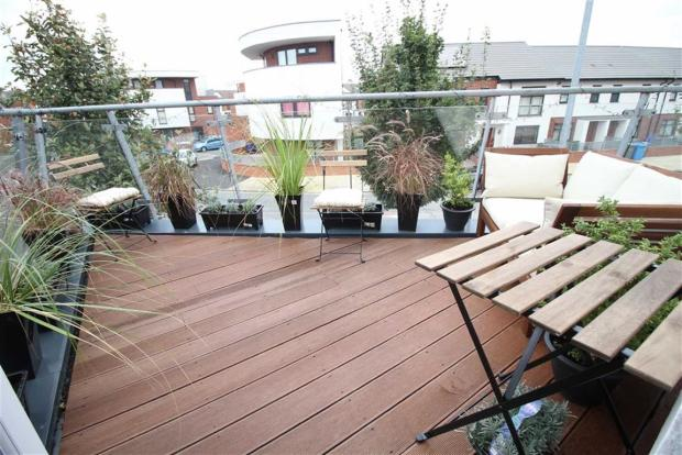3 bedroom town house for sale in maine road fallowfield for 164 the terrace wellington