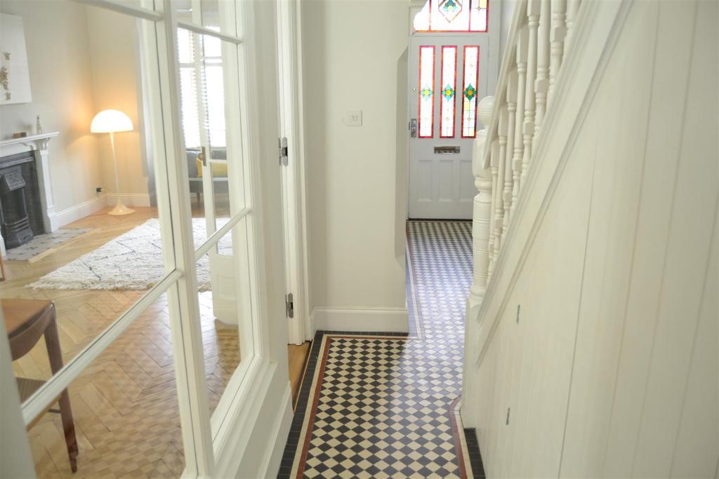 Hallway 6.JPG