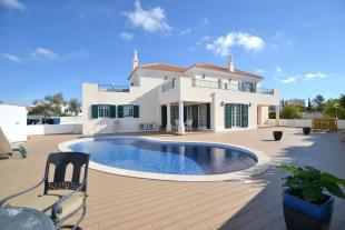 4 bed Detached Villa in Albufeira, Algarve