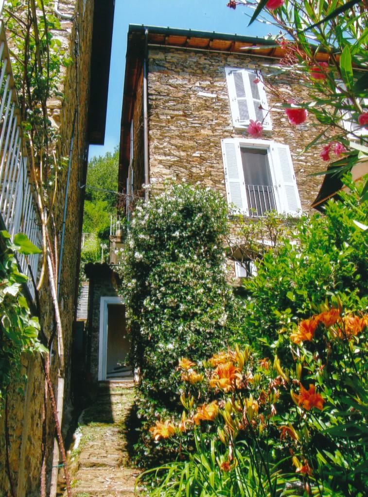 3 bed property for sale in Santa Maria Rezzonico...
