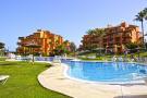 2 bed Apartment for sale in La Duquesa Costa del Sol