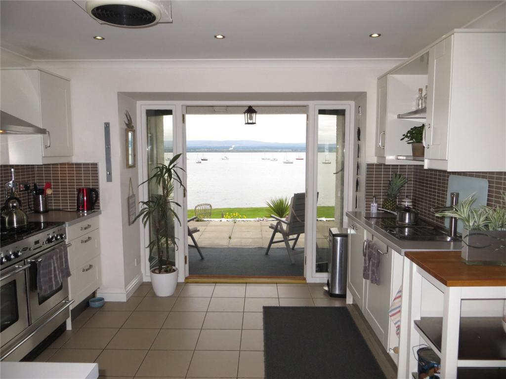 Waters Edge,Fortrose
