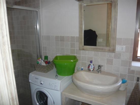 Bathroom villa 2