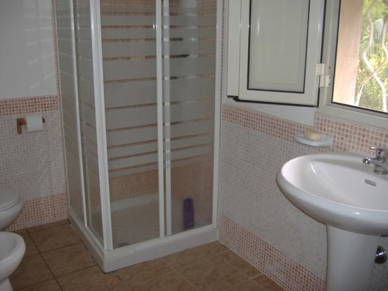 Apartment 2 bathroom
