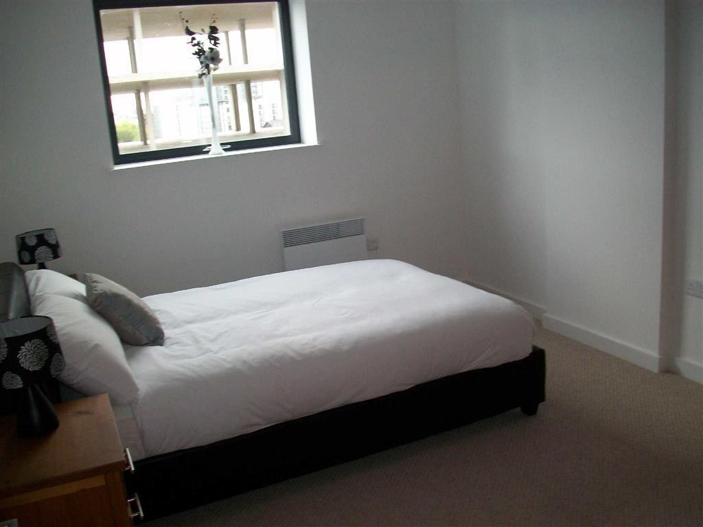 1 bedroom apartment to rent in potato wharf manchester