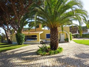 3 bedroom Villa for sale in Vale do Lobo, Algarve