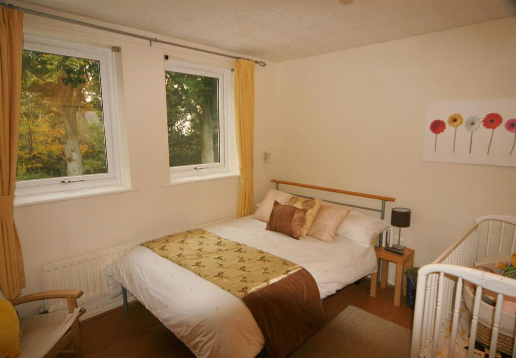BEDROOM TWO (REAR)