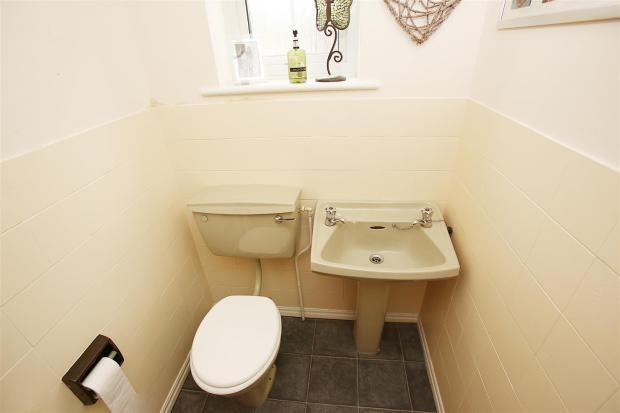 WC\CLOAKROOM