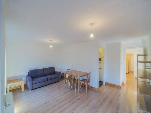 8A-lounge-2.jpg