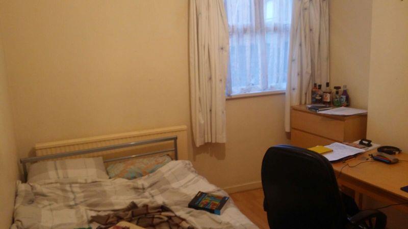 2 Bedroom3.JPG